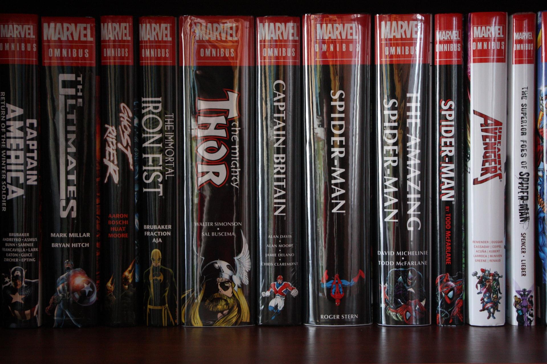 Thor, Spider-man, ASM - обернуты, Captain Britain в заводской пленке, остальные книги без пластика.